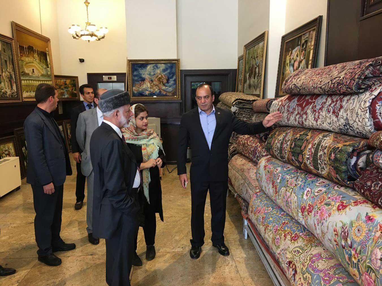 دیدار وزیر امور خارجه عمان از فرش عظیم زاده